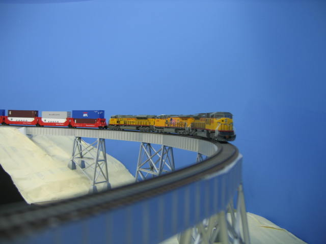 Image:8504 South crossing the Trestle.JPG
